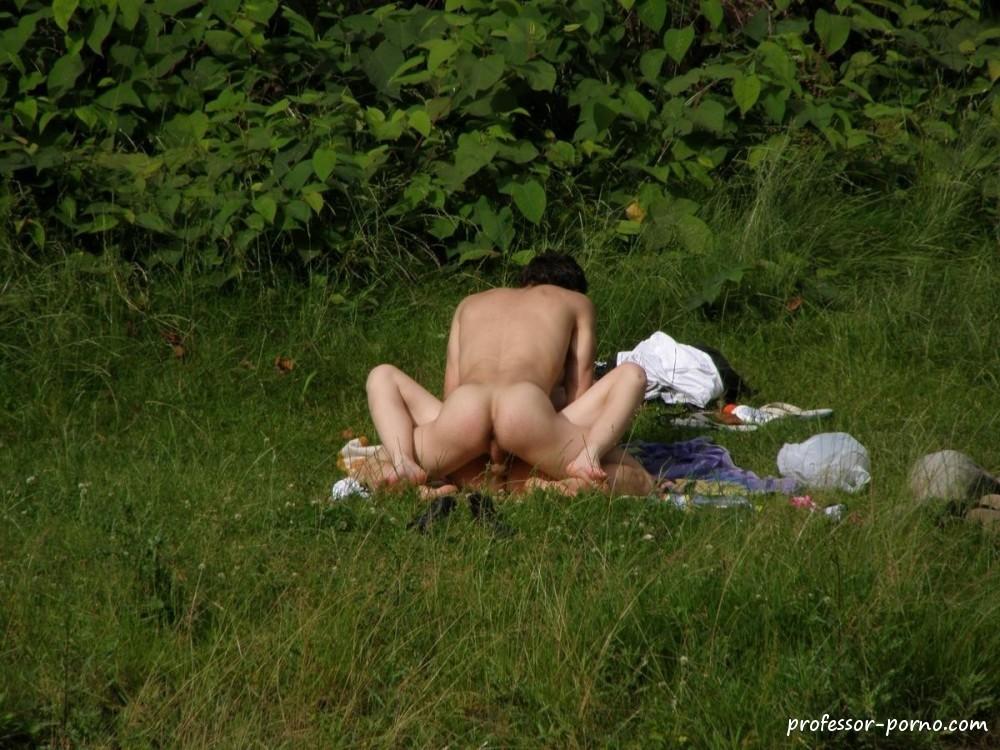 жены скрытая камера на природе фото сама удивляясь